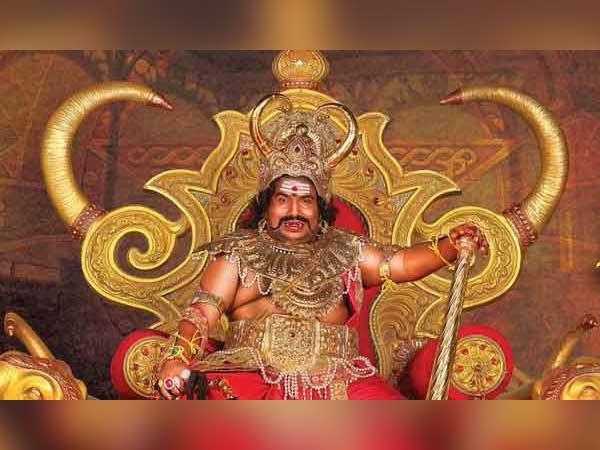 Yogi Babu and entire 'Dharma Prabhu' team turn vegetarian on sets
