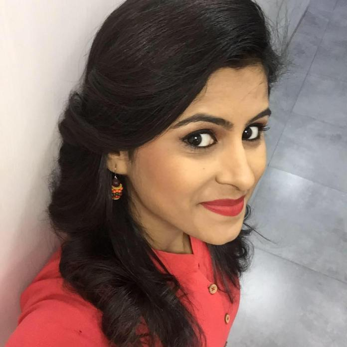 raja rani serial actress rithika