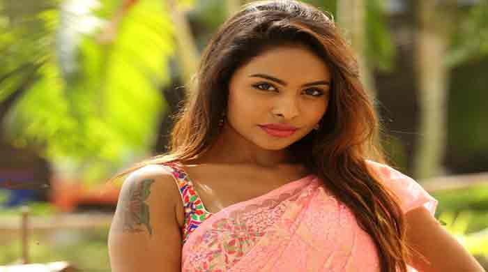 Actress-Sri-Reddy.jpg