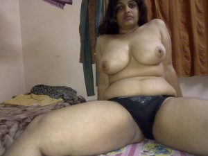 big-tits-south-indian-aunty-nude-pics-2