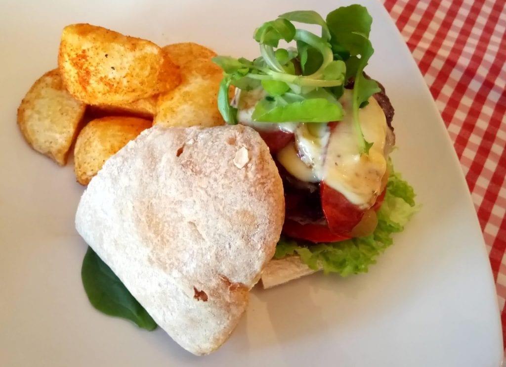 zest-restaurant-beef-burger