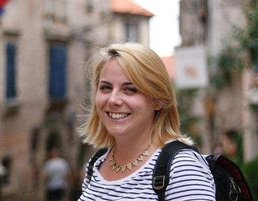 emily-luxton-travel-blogger