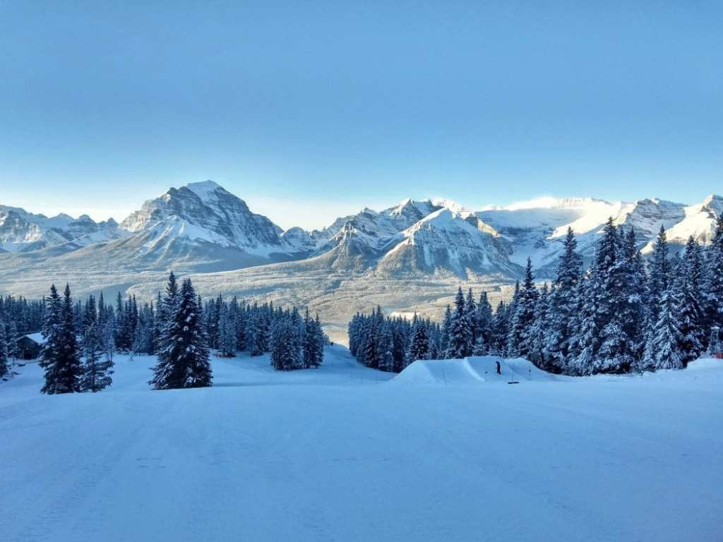 lake-louise-ski-resort-andrea-traynor