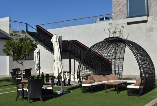 benguela-cove-wine-estate-courtyard