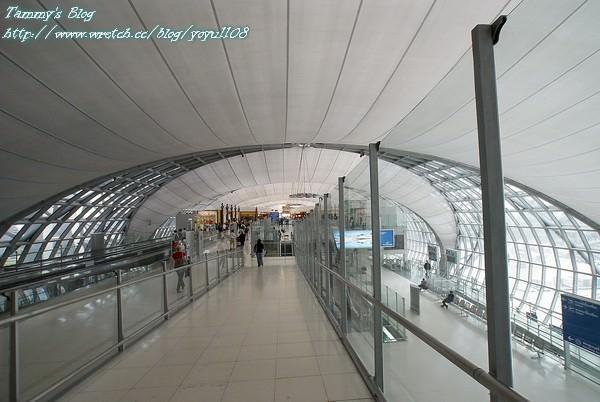 《曼谷旅遊》蘇汪納普機場Suvarnabhumi Airport  收假啦!