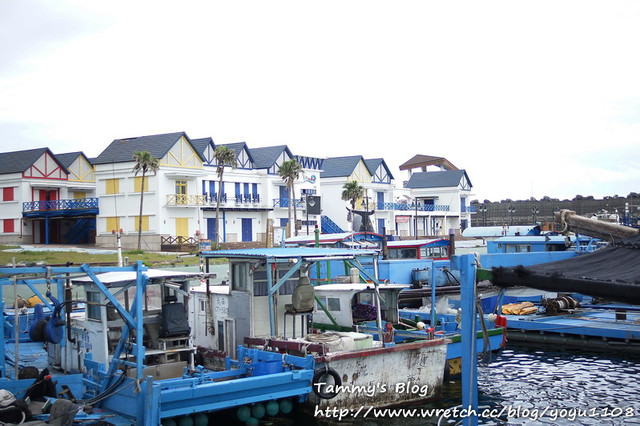 《花蓮旅遊》鳥踏石購物廣場 冷清的地中海風漁港