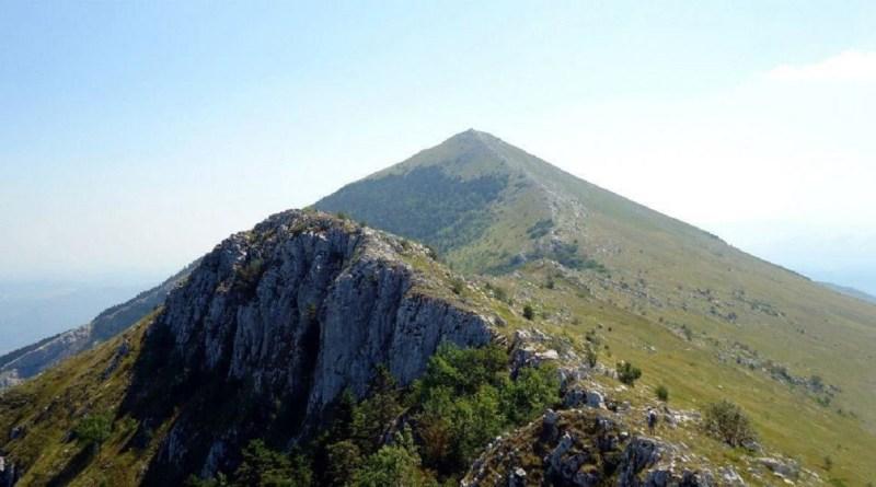 Руси граде Теслин торањ на мистичној српској планини