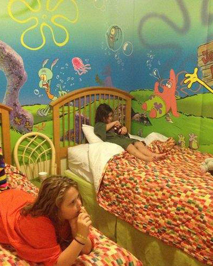 Spongebob Hotel : spongebob, hotel, Orlando, Nickelodeon, Suites, Resort, Awash, Everything, SpongeBob