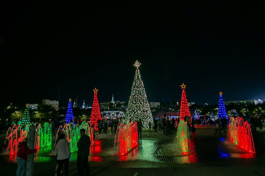 25 free holiday events in tampa bay for a festive date
