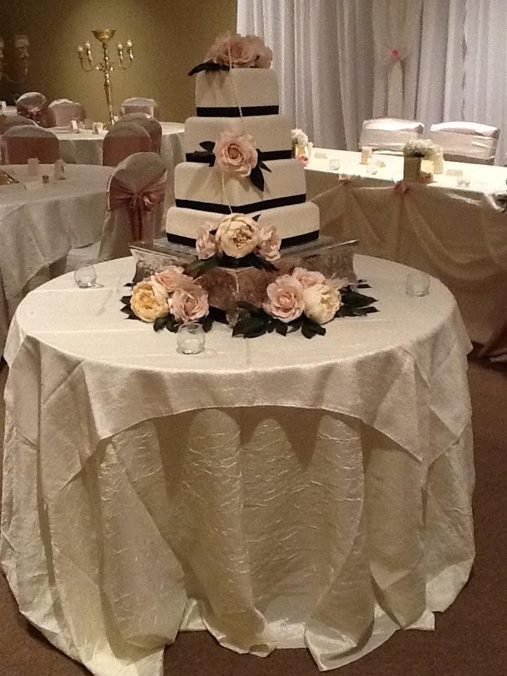 cake silk flowers decor