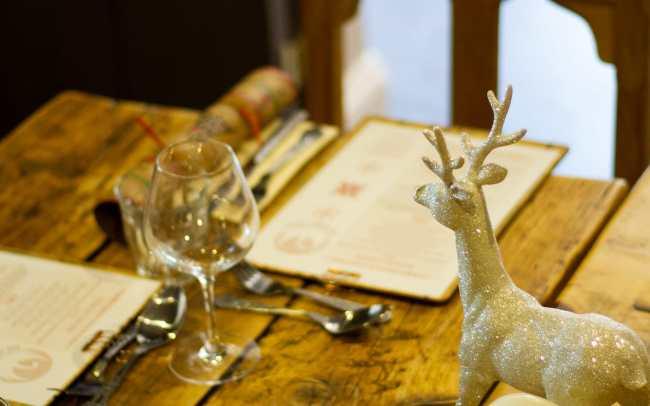 Henny Swan Christmas Table