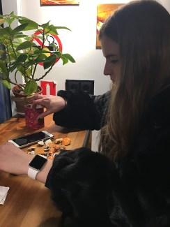 Дэша выбирает себе тыкводетку