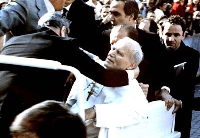 """En el libro publicado en marzo pasado """"Il papa doveva morire"""" (El papa tenía que morir) del periodista Antonio Preziosi aparecen detalles poco conocidos o incluso inéditos relacionados con ese día"""