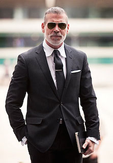 黒のネクタイ