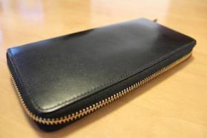 チャック式の長財布