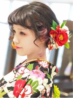 卒業式の袴に合うショート女性の編み込みを使った髪型4