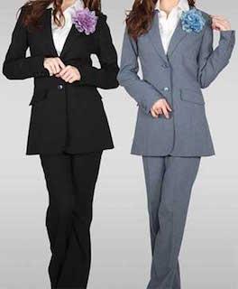 大学の入学式の女性スーツの色で人気