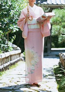 小学校の卒業式の母親の服装で着物