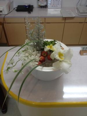 カトレア コチア スイトピー 姫リンゴ ミスカンサス 受付の花