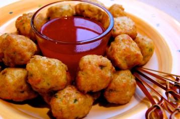 Bakso ayam: Indonesian chicken balls