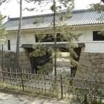 多聞櫓跡から見た筋鉄門。