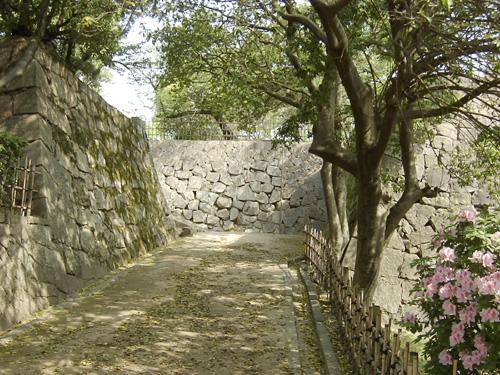 東坂口門跡