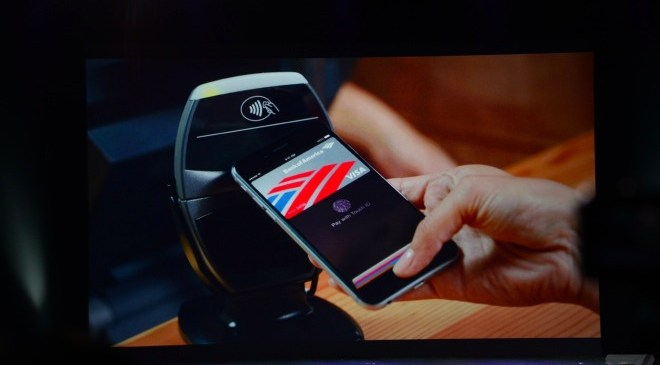 iPhone 6, Apple Watch owners to use Apple Pay for shopping