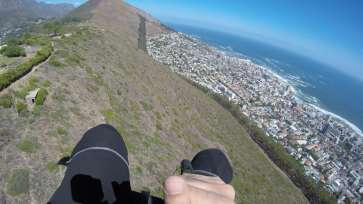 Cruising along a mountainridge with Cape Town's CBD and Seapoint on the right