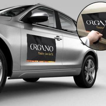 magnet-on-car