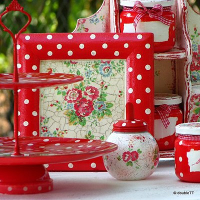 Kolekcija polka dots and roses in red …..