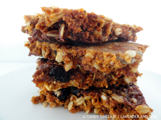 Blueberry And White Chocolate Crunchies