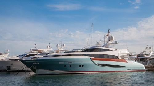 Bateau et yacht high-tech