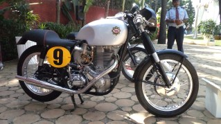 BSA Goldstar DB 34 in full racing trim