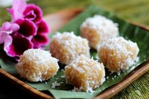 Malaysian Sweet Coconut Rice Balls