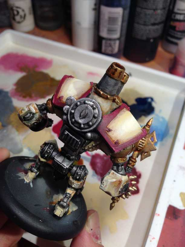 Menoth Crusader Warjack: Quick n' Dirty Paint Job - how to paint a menoth warjack - painting the crusader menoth miniature - warmachine painting - painting warmachine models for menoth - metallics washed with nuln oil and sepia ink