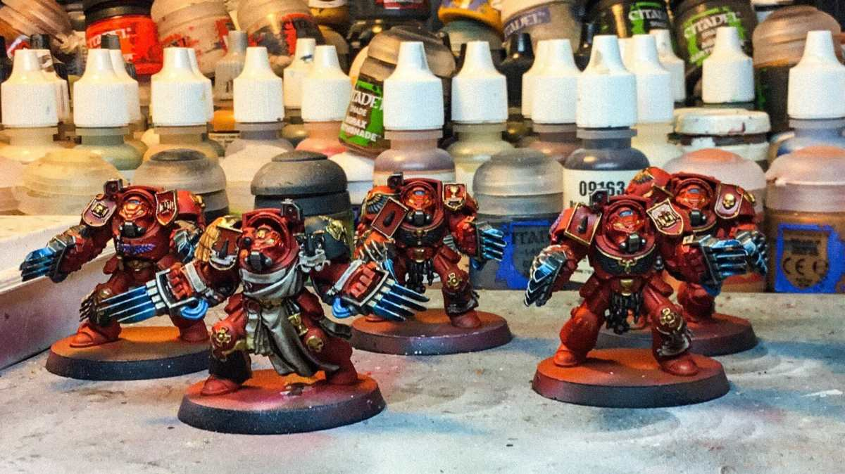 Painting blood angel space marines for warhammer 40k - terminators - nearly completed wip