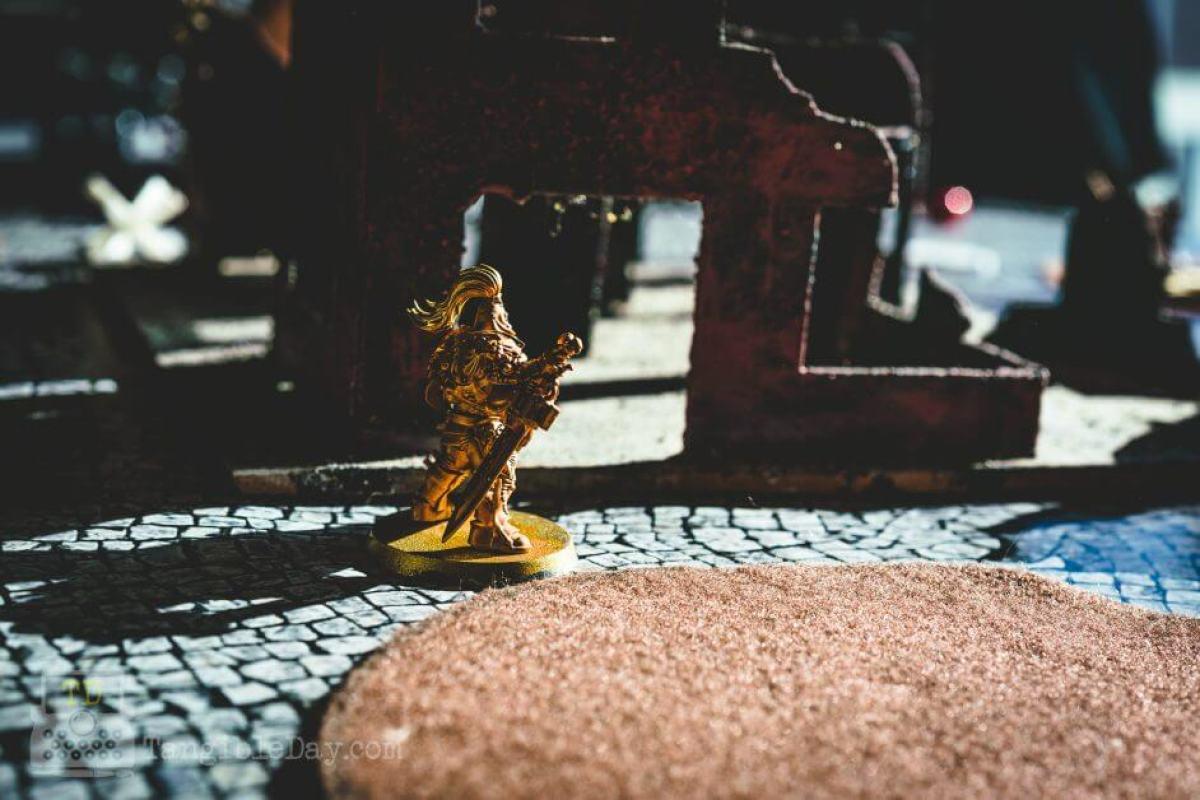 Retributor Armour: Best Gold Metallic Ever? [Review] - Best metallic gold paint
