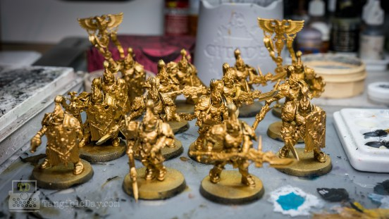 Retributor Armour: Best Gold Metallic Paint? [Quick Review] - Best metallic paints for miniatures gold color
