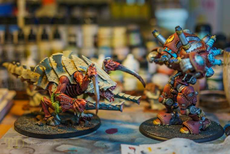 Painting Organics: Brief How-To Overview With Warhammer 40k Tyranids