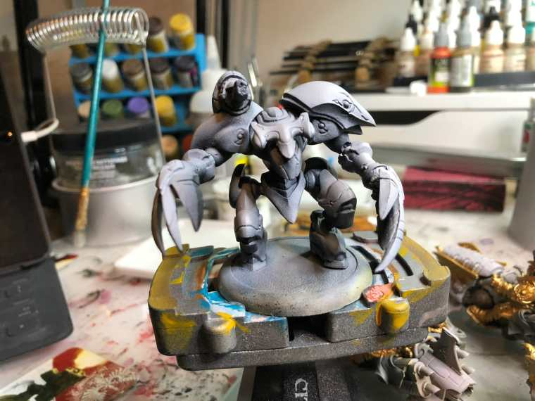 Watercolor Washes: How to Paint a Warmachine Warjack (10 Steps! ) - prime your model first