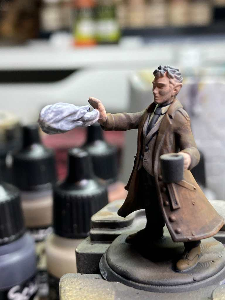 How to add skin toned paint on the flesh of a 3d printed model and miniature
