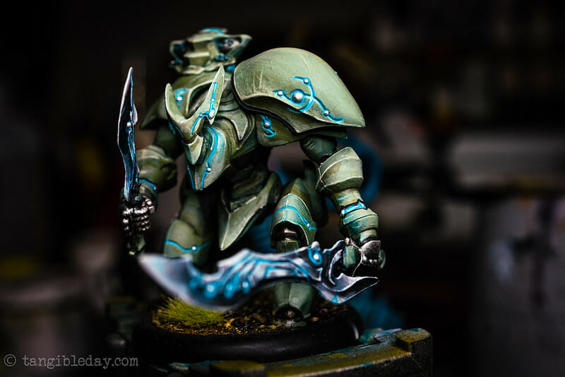 Complete guide to airbrushing miniatures and models - painting miniatures with airbrushes - warmachine miniatures