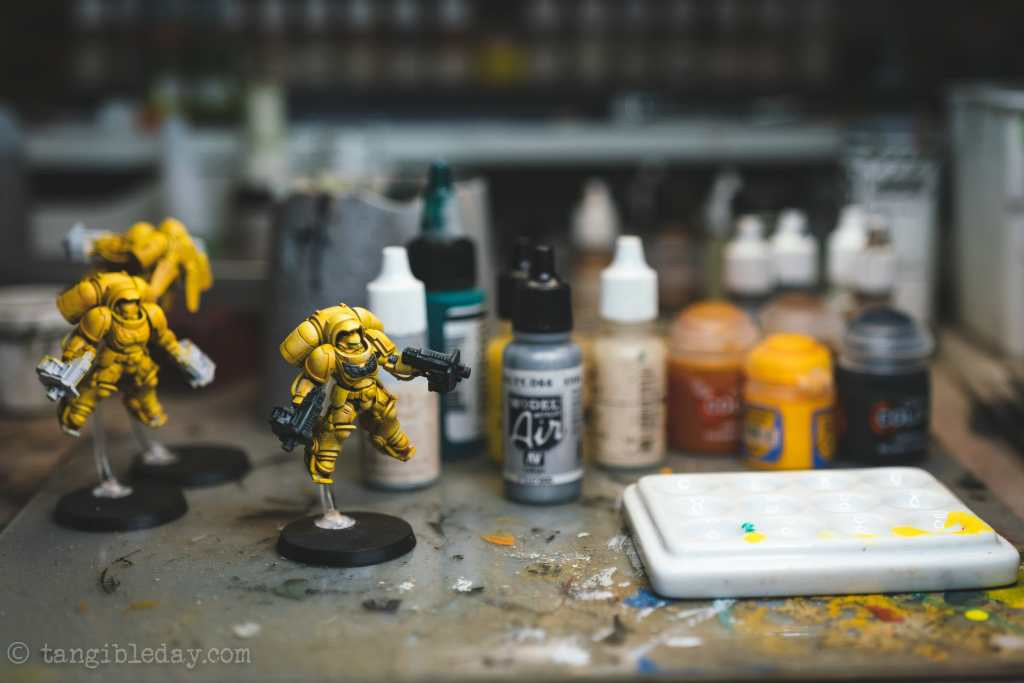 How to Paint Yellow Space Marines (Easy and Fast) - how to paint yellow models and miniatures - Imperial fist primaris inceptor unit tabletop gaming for warhammer 40k