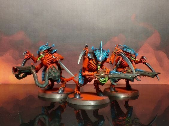 Tyranid color paint schemes – how to paint tyranids – tyranid paint schemes – tyranid army scheme – tyranid color scheme – How to choose Tyranid army color scheme – Tyranid Warhammer 40k colors – Hive fleet color schemes – Hive fleet paint scheme – red blue armor