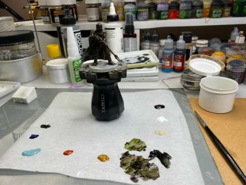"""Oil Painting the Star Wars """"Mandalorian"""" Alla Prima - how to paint a 3D printed resin model with oil paint - speed painting miniatures with oils - preglazing"""