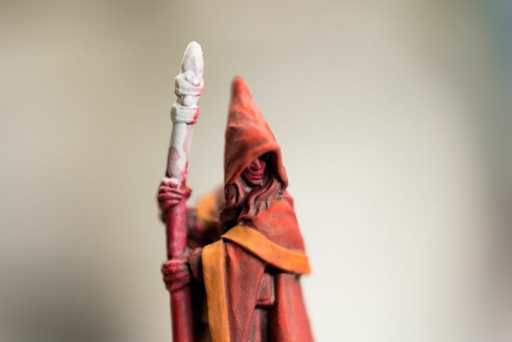 How to paint RPG miniatures for tabletop games in 10 easy steps - painting dnd models - rpg miniature painting - how to paint miniatures for dnd and roleplaying games RPGs - painting dungeon and dragon models - painting dnd minis - recommended varnishes for gaming miniatures - painting the face