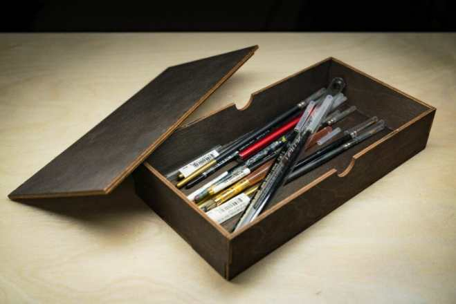 Frontier Wargaming Portable Paint Station Paint Case Review – Best painting station for painting miniatures and models – hobby paint station review – Frontier wargaming paint case for miniatures and hobbies – travel and portable miniature painting stations for hobbyists – drawers full of brushes