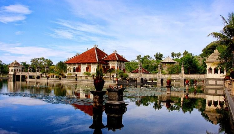 Wisata Mengenal Sejarah Istana Air di Ujung Timur Bali