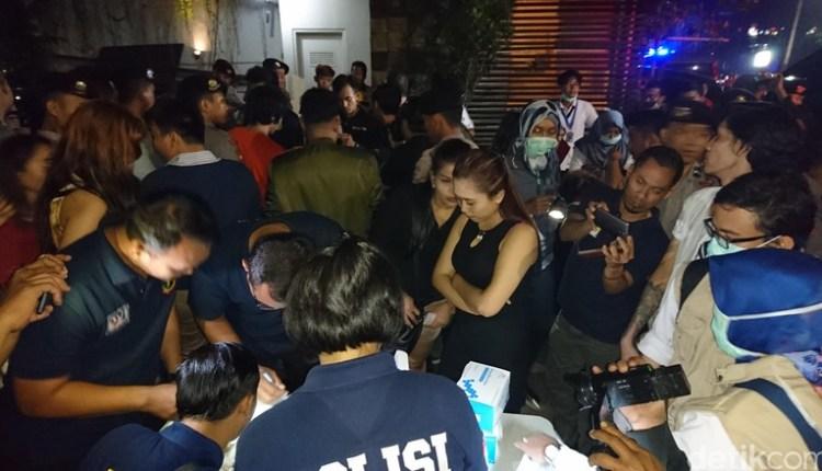 Razia Kafe Venue Kemang, Pengunjung Dites Urine