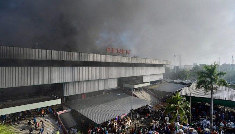 Kebakaran Pasar Senen Menghabiskan 112 Kios